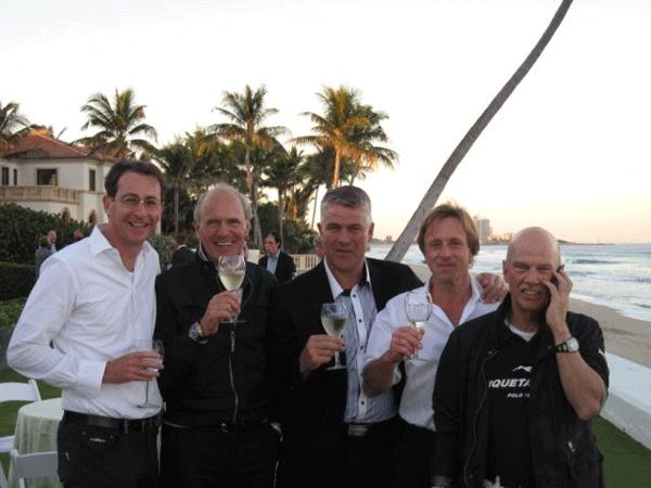 drink-nach-der-ubungsrunde-ein-tag-vor-dem-finale-in-palm-beach