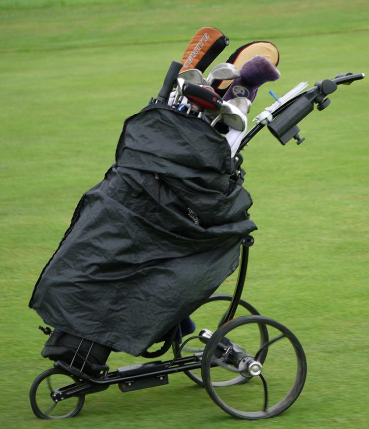im-turnier-spielte-man-mit-agent-golf