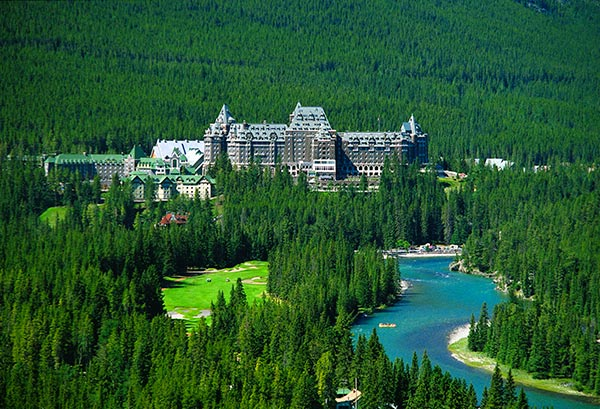 banff-springs-golf-hotel-1