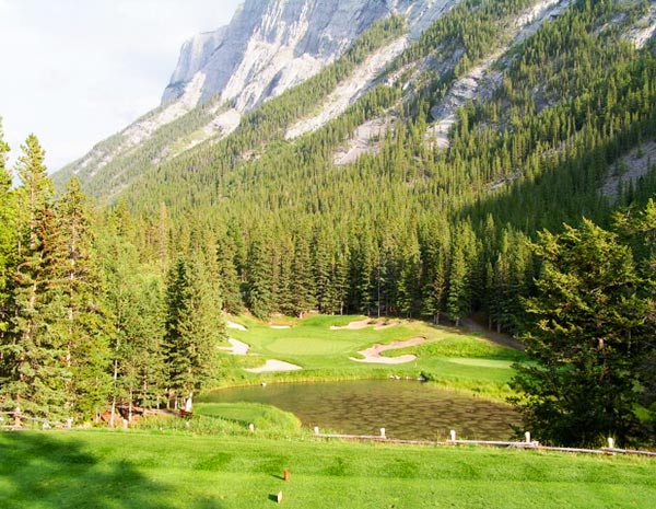 banff-springs-golf-loch-4-par-3