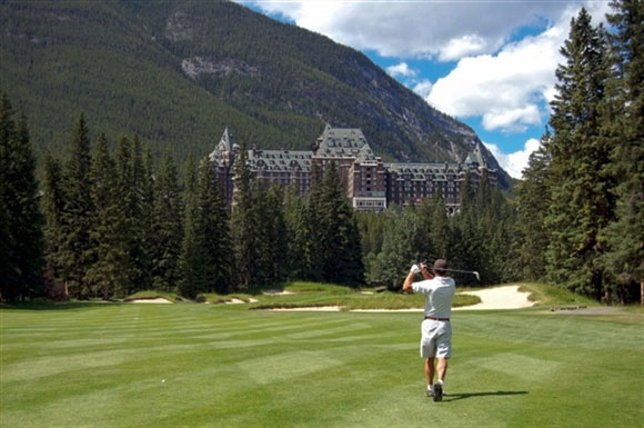 banff-springs-golf-tee-off-1