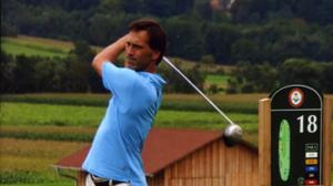 """Peter Tichatschek spielt """"Golf mit links"""", Foto: TiVision"""