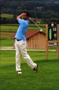 """Peter Tichatschek spielt """"Golf mit links"""""""