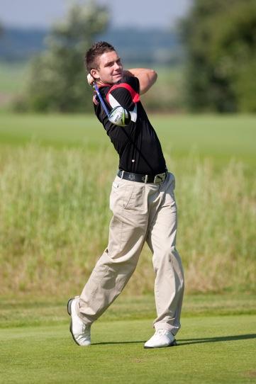 Der Engländer Grant Jackson knackte am 1. Turniertag der 'Pfaffing Classics' den jahrelangen PLatzrekord mit -7.