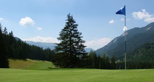 Alpengolf mit Schwefelbad: Golfclub Alvaneu Bad