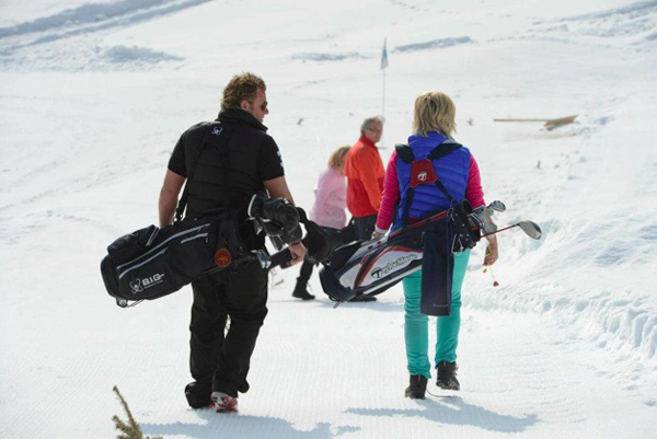 Golf on Snow in Schneeberg: Snowgolf-Tunier auf Pop up-Golfplatz