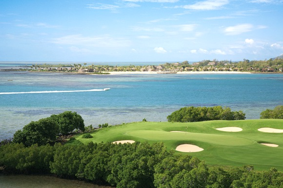 Tolle Aussichten vom Golfplatz des Four Seasons GC at Anahita - Photocredit: Marc Amelot