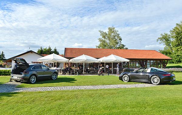 Porsche-auf-dem-Golfplatz