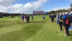 über 55.000 Zuschauer im schottischen Gleneagles. hier Phil MIckelson, Rory McIlroy auf Bahn 18.
