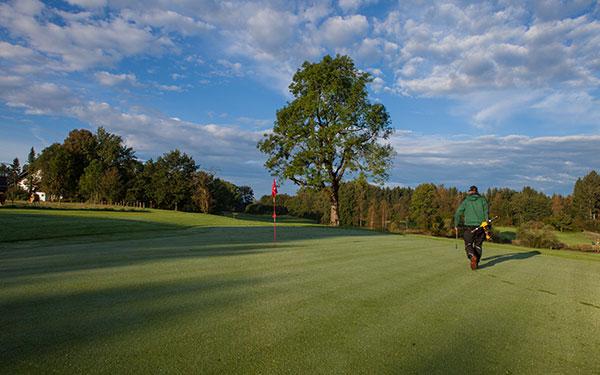 Golfplatz-Iffeldorf-Greenkeeping-Fotocredit-exklusiv-golfen