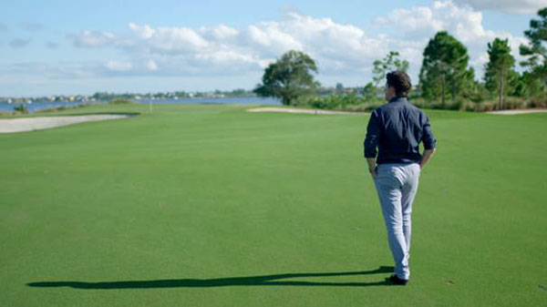 CNN-Moderator-Shane-O-Donoghue-auf-Erkundungstour-Fotocredit-CNN-International-Living-Golf