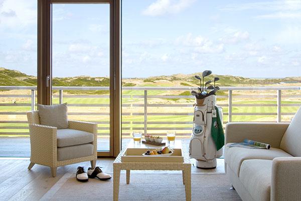 Private-Hotels-Budersand-Zimmer-Golfbag