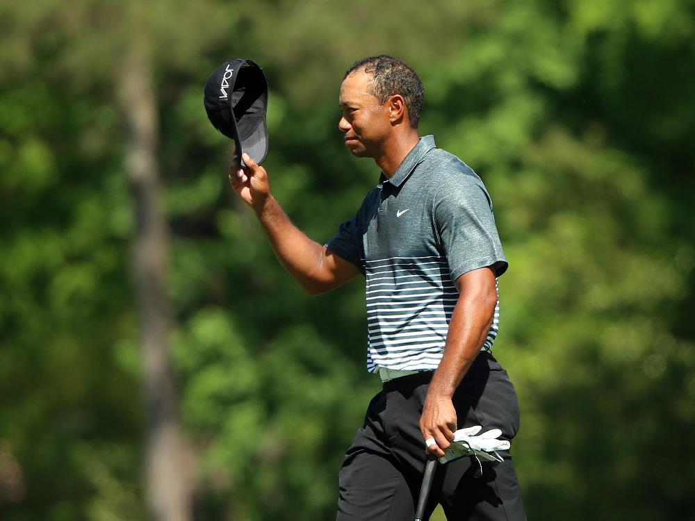 Superstar Woods spielt eine 68