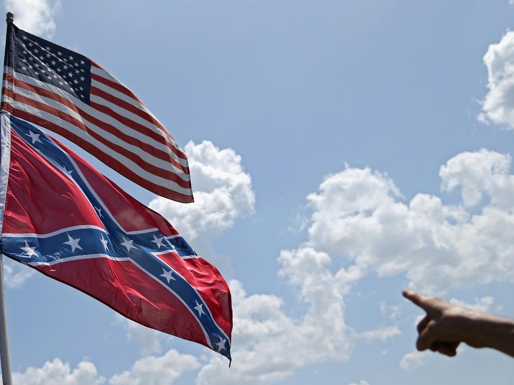US-Sport positioniert sich gegen Konföderierten-Flagge