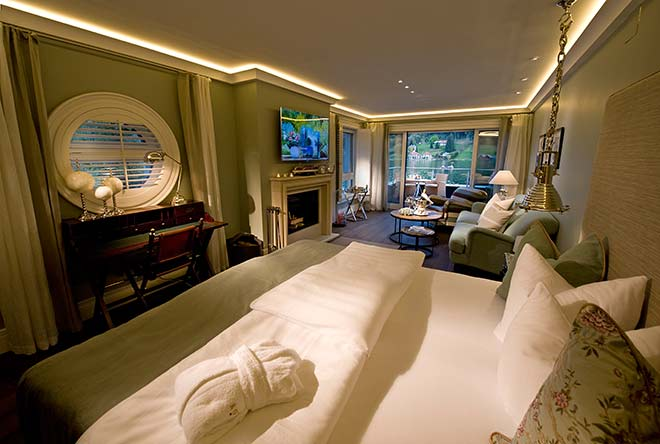 KOLLERs-Hotel-Bootshaus-Suite-Wohnraum-See