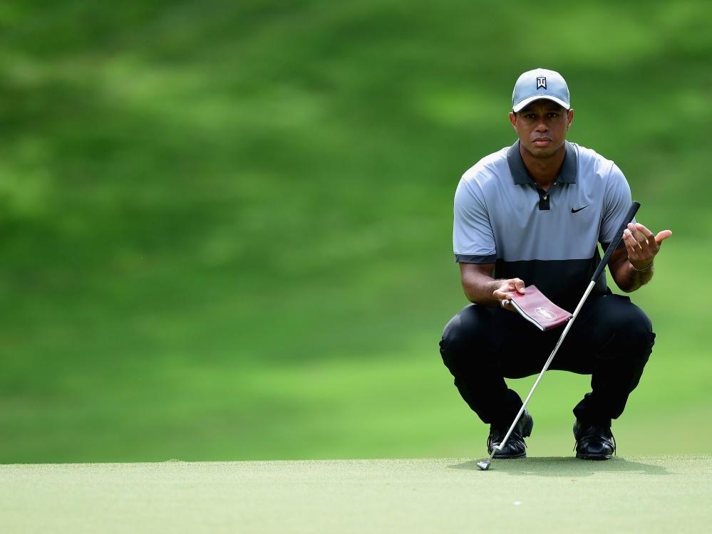 Tiger Woods liegt auf dem geteilten zweiten Platz