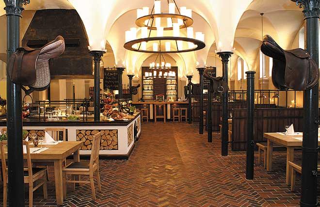 Graeflicher-Park-Bad-Driburg-Restaurant-Pferdestall