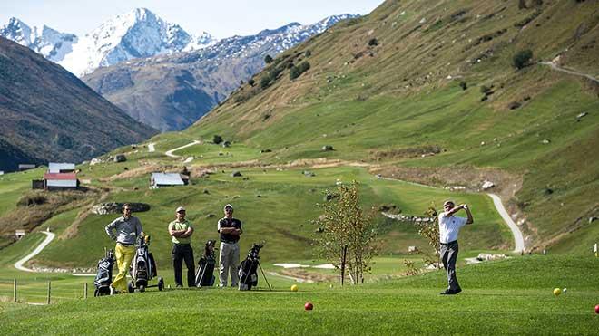 Golf Platz Andermatt in der Schweiz