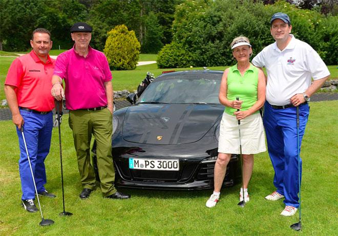 Rechts Terry Freiher von Bibra GF der Alibaba Group in Europa mit Joachim Künzi VP Bank Schweiz und Claus Feldt CEO World of Leading Golf