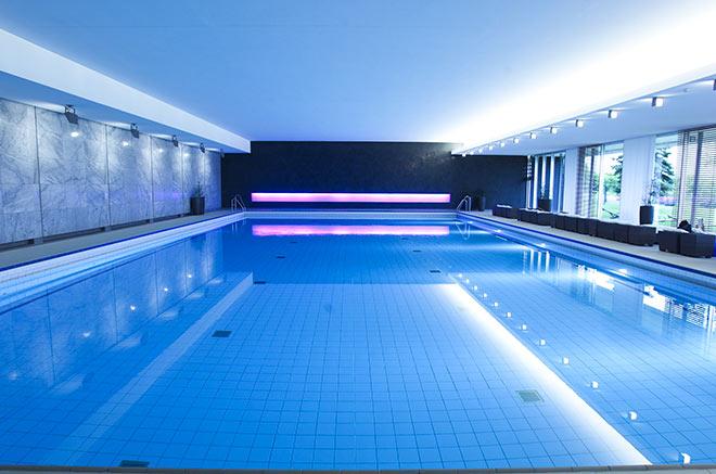 Oeschberghof hotel pool exklusiv golfen for Hotel exklusiv
