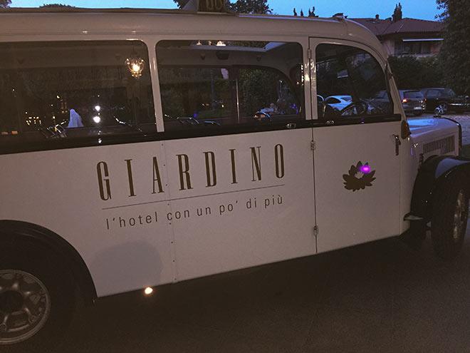 Der Giardino Bus wird eingesetzt für Ausfahren oder Shuttles - das Komplette Dach lässt sich von vorne bis hinten öffnen. Traumfahrten durch das Tessin für die Hotelgäste