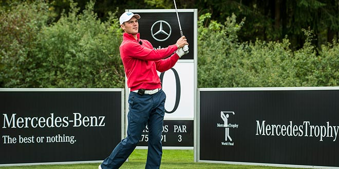 Martin Kaymer im Heimatland: Beim MercedesTrophy World Final tritt er gegen Amateurgolfer an. Fotocredit: Daimler AG
