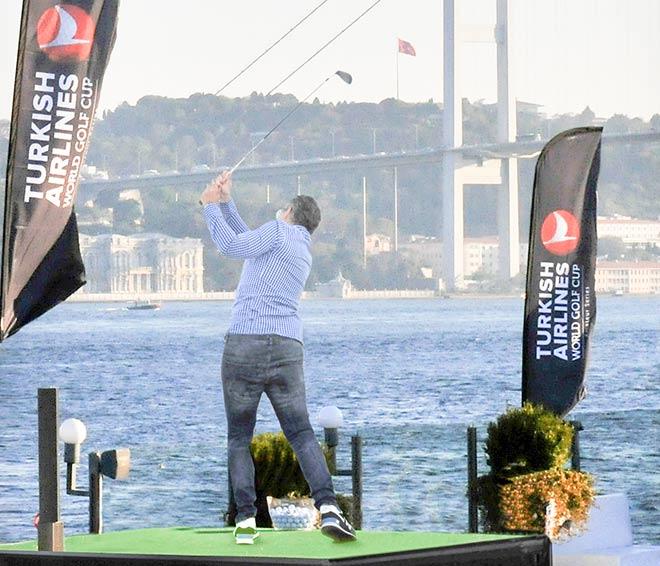 Turkish Airlines World Golf Cup Aufreger: Abschlag mit Jeans