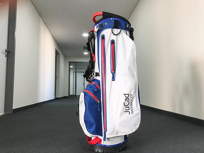 Von oben bis unten super durchdacht: JuCad 2in1 Golfbag. Perfekt geeignet für ein sinnvolles Weihnachtsgeschenk!