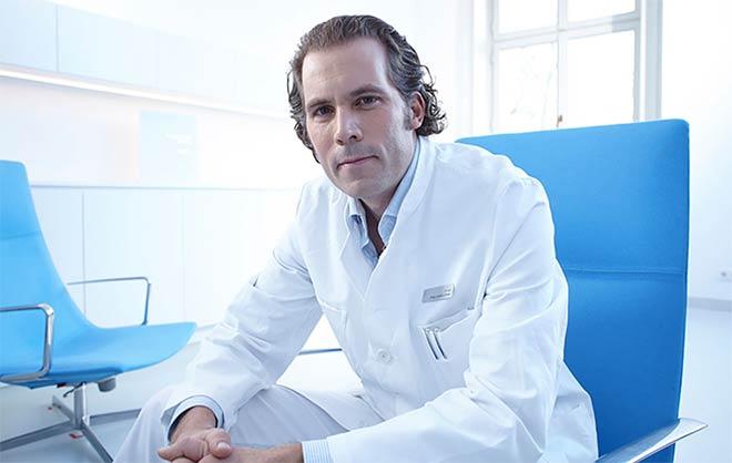 Dr. Philip Catalá-Lehnen vom Lans Medicum ist selbst passionierter Golfer. Fotocredit: Manu Agah