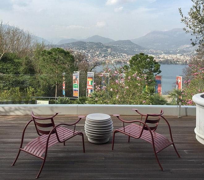 Der Blick von der Terrasse zeigt beispielhaft die exponierte Lage vom The View Hotel!