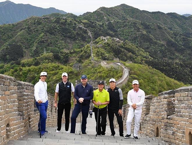 Die Chinesische Mauer ist natürlich eins der beliebtesten Fotomotive der Welt. Am 25. April war allerdings eine besondere Golf Teatime Premiere. Fotocredit: Richard Castka, sportpixgolf.com