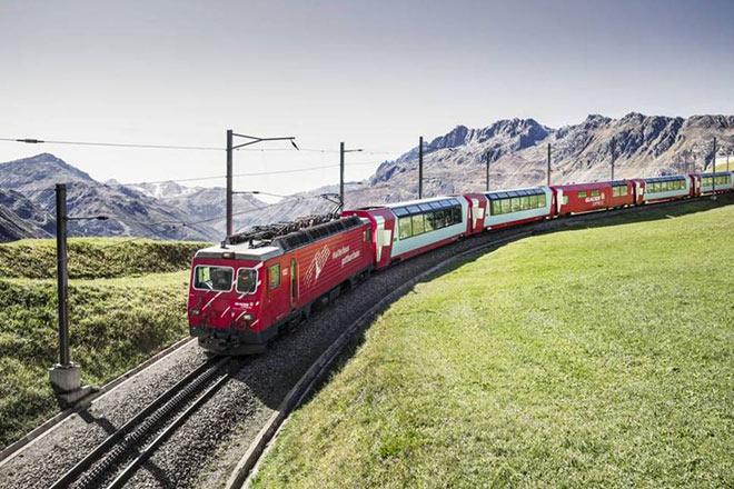 Alleine die Zugfahrt mit dem Glacier Express ist traumhaft. Fotocredit: Glacier Express