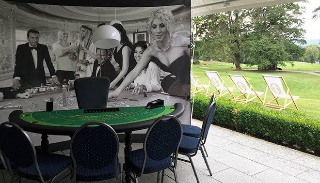 Golfplätze mit Casino: Immer mal wieder greifen auch deutsche Golfclubs das Casino-Thema auf. Zum Preis des Präsidenten im GC Feldafing wurden Glücksspieltische aufgestellt.