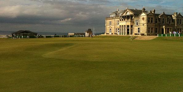St. Andrews gilt als die Geburtsstätte des heutigen Golfsports.
