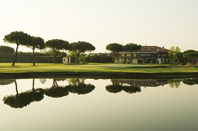 Der Adriatic Golf Club Cervia ist eine 27-Loch-Golfanlage, die wenige Mitunten vom Meer entfernt liegt. Foto: Matteo Zanardi