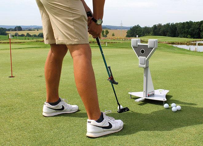 Mit dem SAM PuttLab kann die Puttbewegung gemessen und analysiert werden.