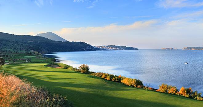 Der Bay Course liegt direkt am Meer.