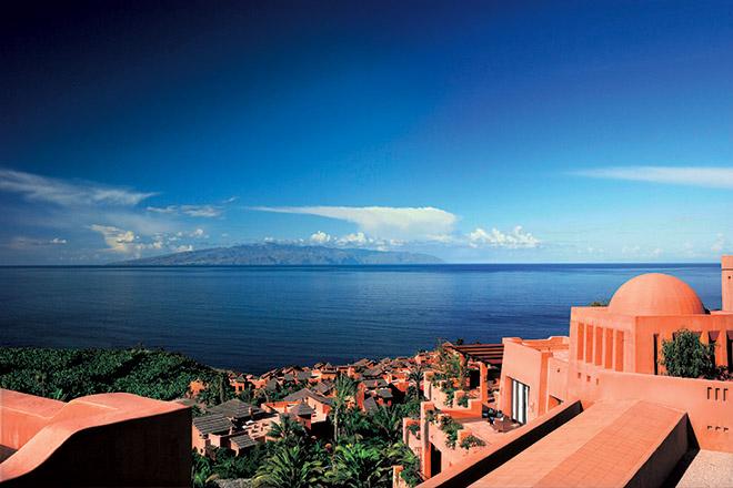 Im Abama Ritz Carlton Teneriffa hat man traumhafte Ausblicke auf den Atlantik. Foto: Rafel Vargas