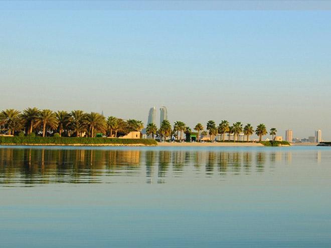 Bahrain bietet derzeit drei Golfplätze mit insgesamt 54 Golflöchern. Nachtgolfen ist auf dem 9-Loch-Course vom Royal Golf Club Bahrain möglich. Fotocredit: Bahrain Economic Development Board
