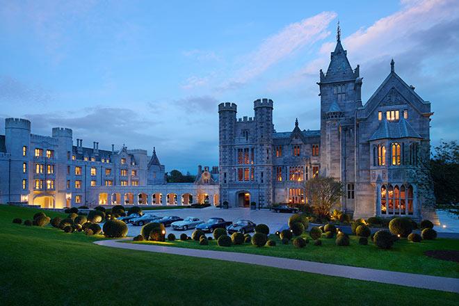 Das weitläufige Anwesen verfügt über malerische ummauerte Gärten und Wanderwege. Bereits jetzt zählt Adare Manor zu beste golfadresse englands