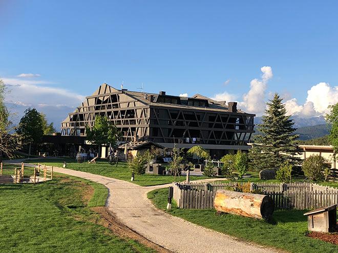 Die Hotel Pfösl Architektur ist für Südtirol einmalig.