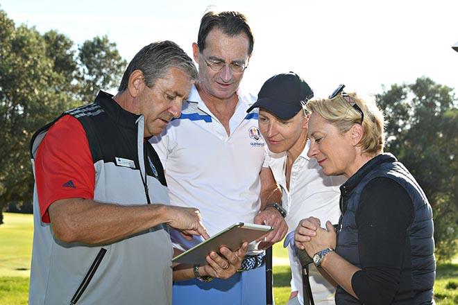 Hier erklärt der Marshall vom Golfclub Alcanada, wie er die Flights trackt! Fotocredit: Elke A. Jung-Wolff