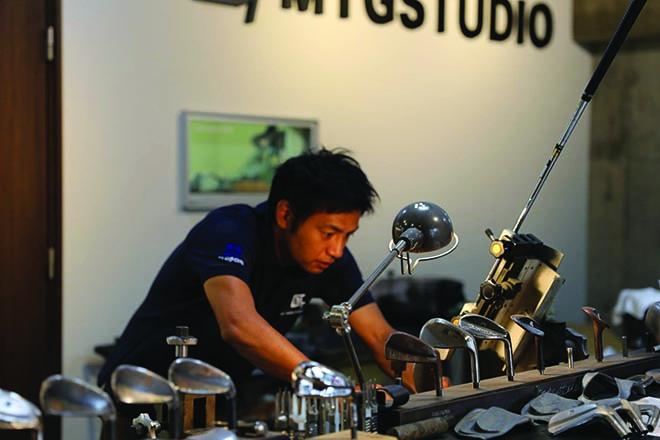 Alle Schläger aus dem MT Grind Studio von Master Mayuki Takai in Japan werden exklusiv vom Master selber in aufwändiger Handarbeit einzeln produziert.