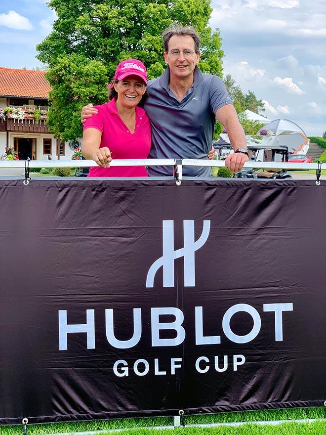 Zwei Golfmedien in einem Flight: Silvia Niedworok von golf.de und Jürgen Mayer von exklusiv-golfen.de