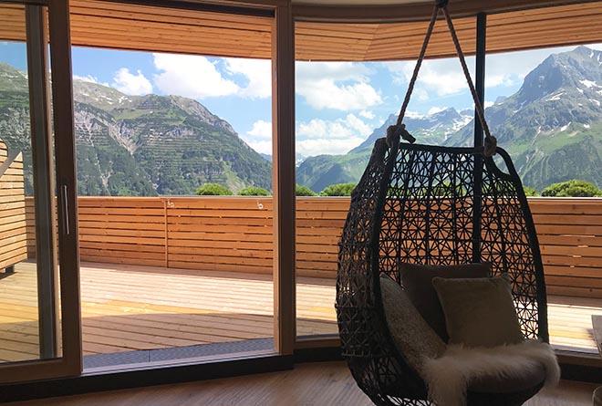 Ein Großteil der Zimmer vom Hotel 'Goldener Berg' erhielt einen privaten Balkon, in einigen Suiten finden private Jacuzzis ihren Platz.