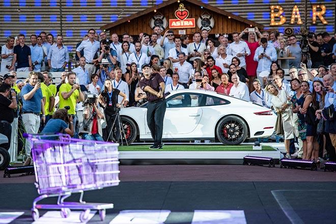 Patrick Reed ist längst Mitglied im Porsche Urban Golf Club. Fotocredit: Porsche AG