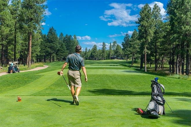 Golfen mit Festzelten