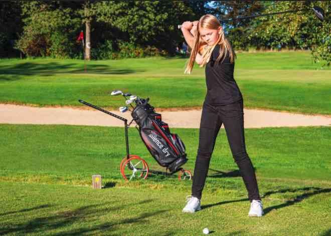 Mädels- Golfcaddy - Liebling: Junior Caddys Carbon 3-rädrig mit Bag Silence Dry in schwarz/rot. Mehr Farben hier!