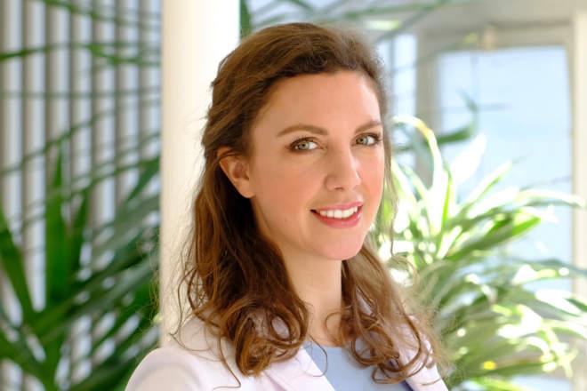 Heute leitet Dr. med. Verena Buchinger-Kähler (34), als erste Frau der traditionellen Arztfamilie, die Buchinger Fasten Klinik in Bad Pyrmont. Fotocredit: Buchinger