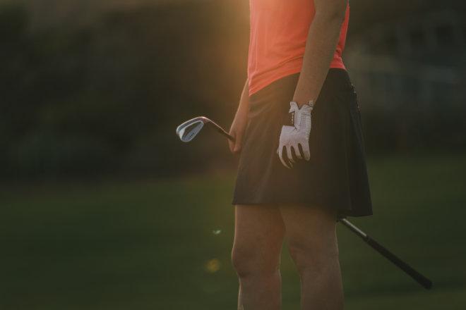Seit 2002 gibt es auch Poloshirts, Golfhosen, Cappies und Golfbags von DECATHLON